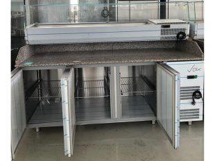 frigider profesional cu vitrina ingredienta